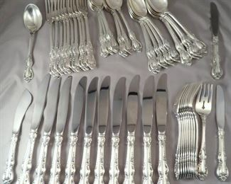 BEAUTIFUL SET OF TOWLE STERLING SILVER FLATWARE IN THE SPANISH PROVINCIAL PATTERN - SERVICE FOR 10 WITH SERVING PIECES