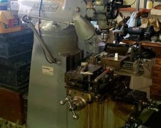 Bridgeport milling machine with j head 1hp moter,4speed 240 vac with  x axis power feed  3phase converter