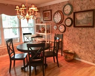 Black Breakfast Table witb6 Chairs