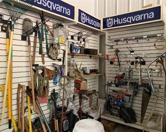 Yard Tools / Hand Tools / Displays also for sale