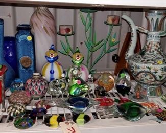 7504: Approx. 30 pieces of Glass Decor Paper Weights, Vases, candle holder, glass fish