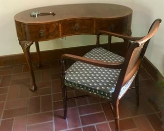 ladies kidney shaped  writing desk/dressing table