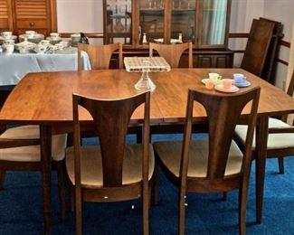 MID-CENTURY VAN SCIVER DINING ROOM SET