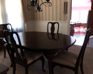 Ethan Allen Dining Room Table and chairs