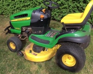 """John Deere LA135 tractor with bagger and mulching blade, 42""""deck - approx  212 hours"""
