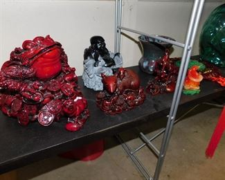 Giftman Red resin Money Chinese Frog.....you know what to do!