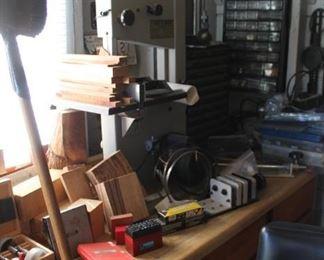 Craftsman scroll saw has been removed by the homeowner, sorry for the inconvience