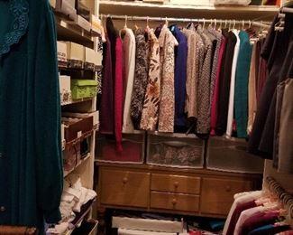 Additional photo of clothing.