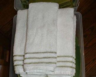 TOWELS/TABLE LINENS
