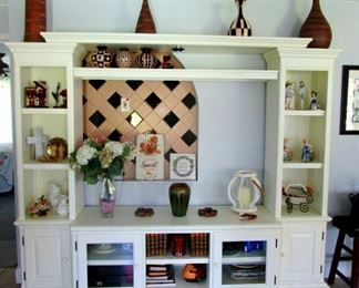Big display cabinet or entertainment center