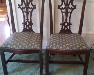 Set of 8 vintage chippendale chairs