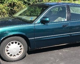 Low mileage 1998 Buick Park Avenue