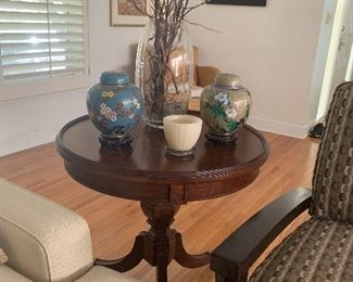 The ginger jars and glass vase are sold.