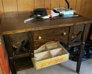 Goshen Furniture company library table in excellent condition!