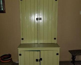 Cute cabinet!!