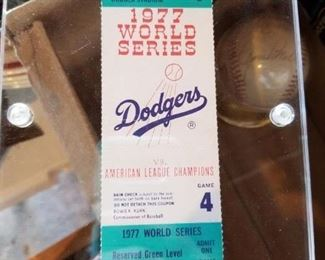 For your sports lover! What a collectible!
