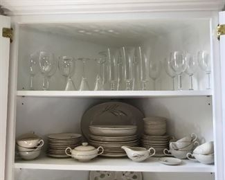 Wine, beer, and other sets of glasses; picture of full set of Golden Harvest
