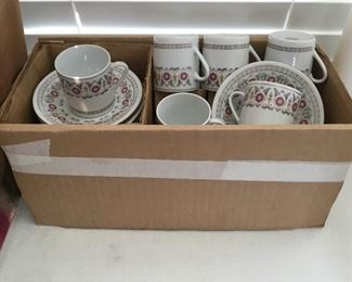 Set of 10 cups and saucers