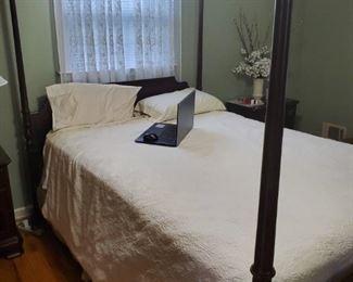 Ethan Allen 4 Poster Queen Bedroom Set