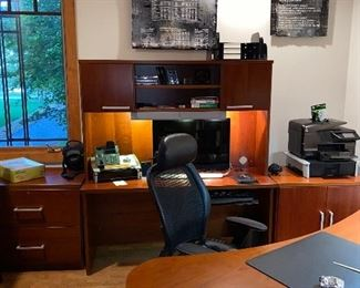 """OFFICE DESK WITH HUTCH  60""""L x 22""""D x 67""""H"""