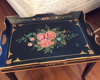 Lovely painted coffee table, nice condition