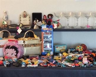 "Collectible. Betty Boop   Hot Wheel Cars,  Vintage circa 1950's ""Box"" handbags"