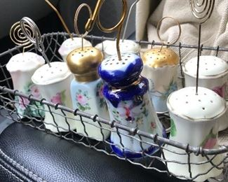 Salt and pepper shaker picture holders, recipe holders