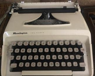 Working Remington typewriter with manual