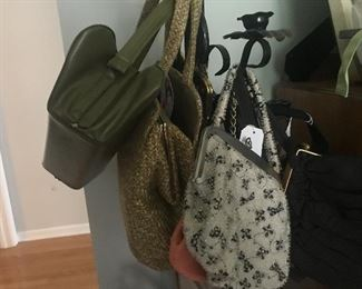 Vintage handbags by the 100's