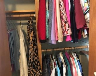 Nice ladies clothes, size small