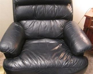 La-Z-Boy Leather Recliner, Black