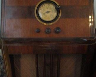 floor model radio & humidor