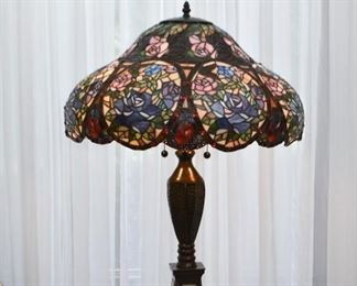 Stained Glass Table Lamp - Roses