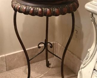 Ornate metal side table/plant stand 28.5 tall 16 diameter