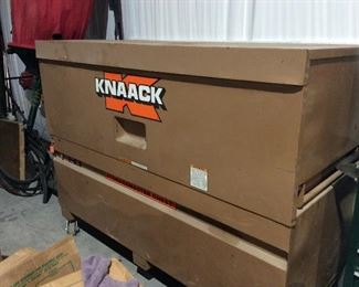 Knack Tool or Storage Chest