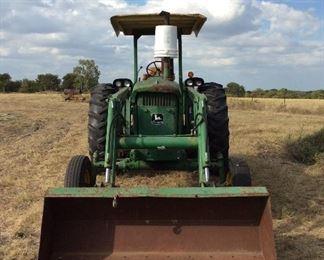 John Deere tractor Model 2040 Front view