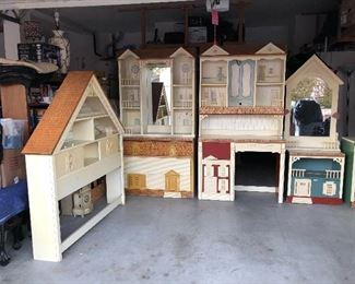 Adorable Rare 70s Singer Doll House ( 8 pcs. )