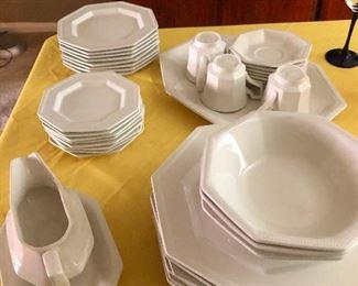 pure white Switzerland of dinnerware wants to stay neutral