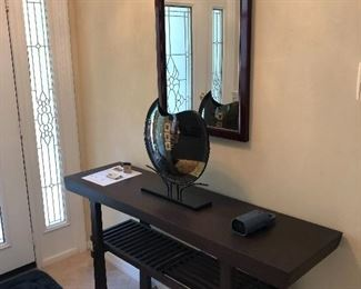 Really nice foyer table and mirror Great accessories