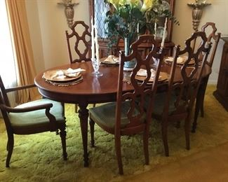 Lovely table & Chairs