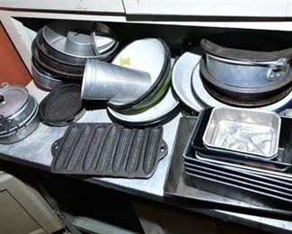 147. Group of Metal Baking Items