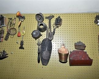 158. Grouping of Vintage Metal Items