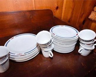 195. Vintage Corning Dinnerware Set for American Presidents Line