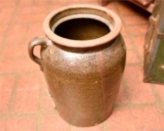 215. Vintage Pottery Crock wSalt Glaze Handle