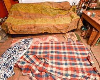 218. Mixed Lot Vintage Textiles wBlankets Throws