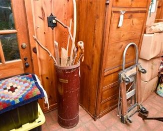 227. Vintage Spaulding StorageShipping Drum