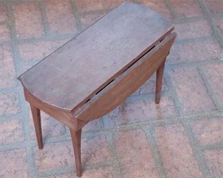 273. Small Vintage Country Style Drop Leaf Wooden Oval Table