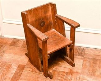 162. Unusual Vintage Childrens Arts  Crafts Style Side Chair