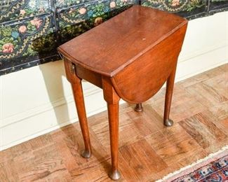 216. Antique Queen Anne Tiger Oak Drop Leaf Side Table