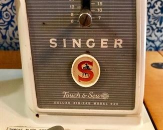 """Singer """"Touch & Sew"""" deluxe zig zag model sewing machine."""